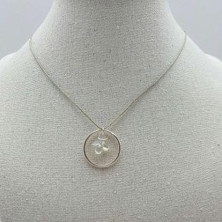 Collier anneau une breloque