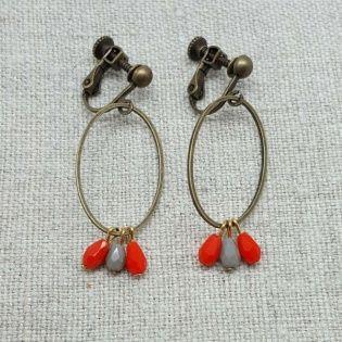 Boucles d'oreilles ovale et petites perles