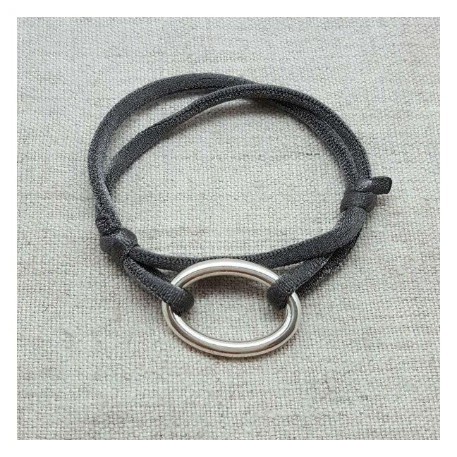 Bracelet Anneau Oval Argent sur lien elastique double tour ajustable