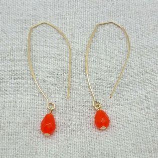 Boucles d'oreilles créoles ovales et pierre colorée