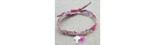 Bracelet religieux croix ou colombe en nacre et vierge colorée sur liberty