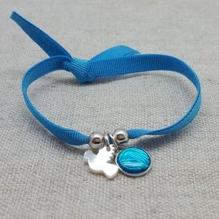 Bracelet religieux colombe ou croix en nacre et médaille vierge colorée sur lien elastique
