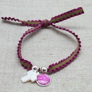 Bracelet religieux vierge et croix nacre sur lien elastique frou frou