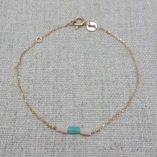 Bracelet chaîne plaqué Or et perles tubes colorées coloris turquoise