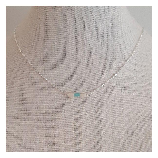 Collier fine chaîne Argent et perles tubes coloris turquoise