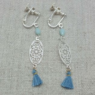 Boucles d'oreilles courtes arabesque argent et pompon