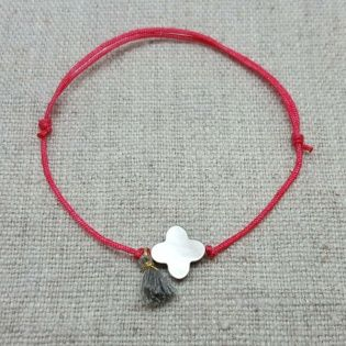 Bracelet lien satiné fleur nacre et mini pompon