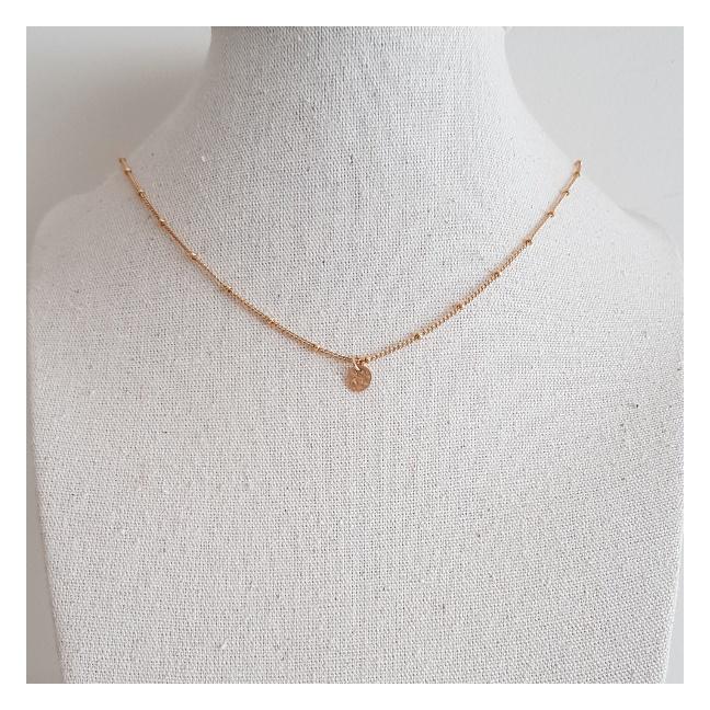 Collier chaîne fine médaille martelée Plaqué Or