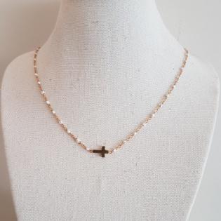 Collier chaîne plaqué Or perles résines motif croix ou arbre