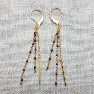 Boucles d'oreilles pendantes perles émaillées clip ou percées