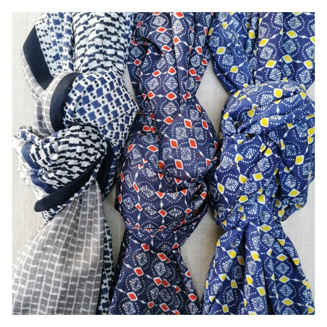 Foulard coton imprimé marine