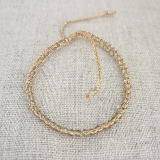Bracelet perles facettes colorées et fil doré