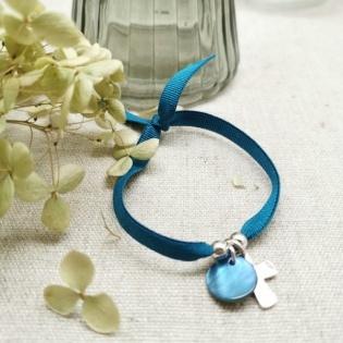 Bracelet religieux croix argent sur elastique