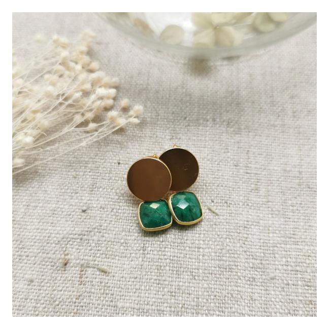 Boucles d'oreilles courte et pierre de couleur